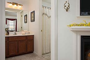 Killarney Room bath