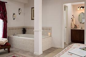 Landar Room bathtub