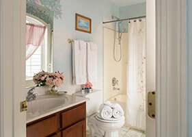 Serendipity Room bath