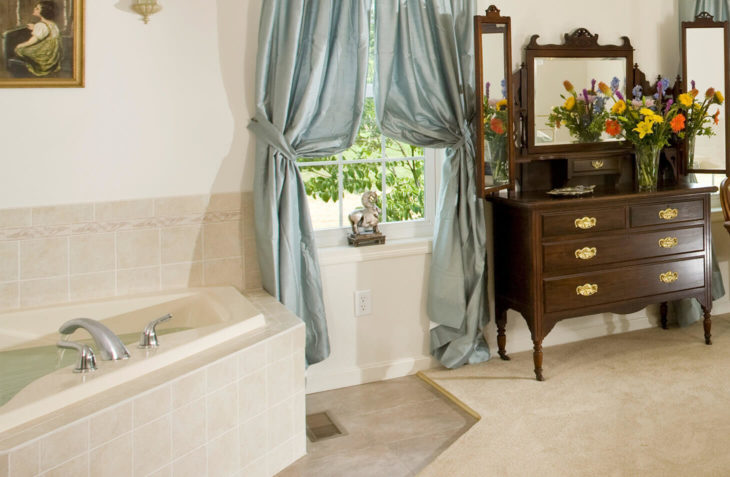 Bright Flash jetted spa tub at our Hershey, PA B&B