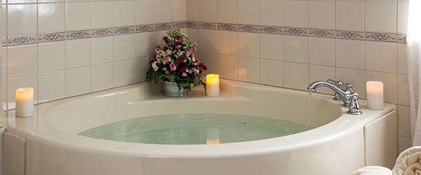 Romantic bathtub at our Hershey, PA Inn
