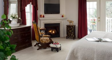 cozy and romantic guest room at Hershey inn