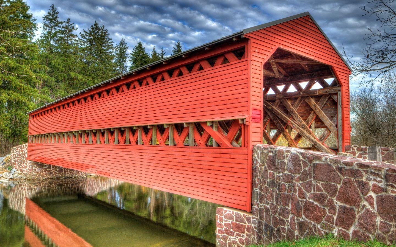 Beautiful red painted covered bridge in Pennsylvania